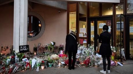 Hommage à Samuel Paty, devant le collège Bois-d'Aulne à Conflans-Sainte-Honorine (image d'illustration).