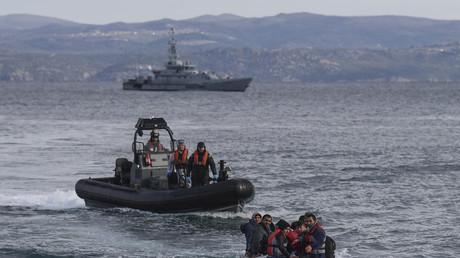 Une opération de Frontex visant à intercepter un bateau de migrants afghans en Méditerranée, le 28février 2020 (image d'illustration).