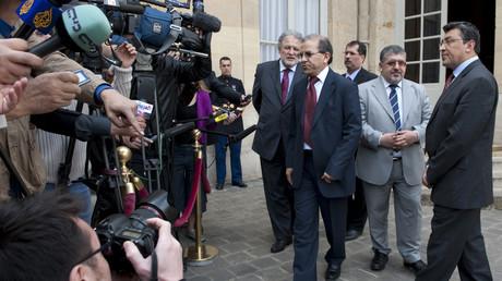 Mohammed Moussaoui, président du CFCM, répond aux médias après une réunion à Matignon en 2010 (image d'illustration).