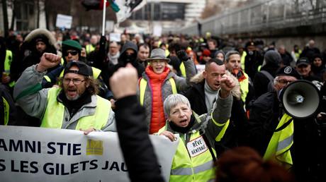 Des Gilets jaunes manifestent à Paris, le 7 décembre 2019 (image d'illustration).