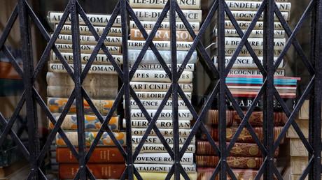 Une librairie fermée dans le passage Jouffroy à Paris, le 14 septembre 2018 (image d'illustration).
