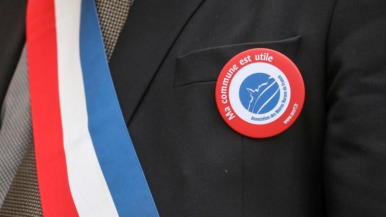 101 maires réclament encore plus d'argent pour les banlieues