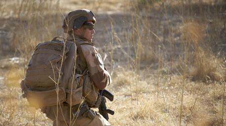 Un soldat français en patrouille dans le cadre de l'opération Barkhane au Burkina Faso (image d'illustration).