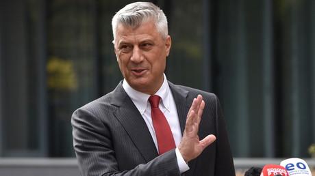 Hashim Thaçi lors de la conférence de presse au cours de laquelle il a annoncé sa démission, le 5 novembre 2020, à Pristina.
