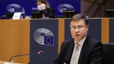 Le vice-président de la Commission européenne, Valdis Dombrovskis, lors d'une audition devant la commission commerciale du Parlement européen, à Bruxelles, Belgique, le 2 octobre 2020 (illustration).