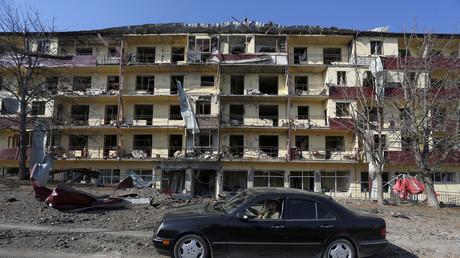 Images de dégâts causés par les combats à Chouchi dans le Haut-Karabagh