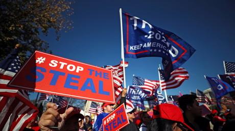 Les partisans du président américain Donald Trump participent à une manifestation sous le slogan «Arrêtez le vol», le 14 novembre 2020.