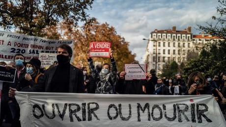 Manifestation de commerçants et indépendants à Lyon, le 16 novembre.