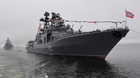 Le chasseur de sous-marins russe Amiral Vinogradov