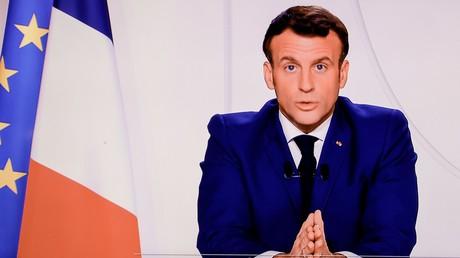 Cette capture d'écran réalisée le 24 novembre 2020 montre le président français Emmanuel Macron s'exprimant lors d'un discours télévisé à la Nation sur la pandémie Covid-19 et les mesures restrictives en France (image d'illustration).