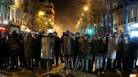 Image prise lors d'une manifestation à Paris le 24 novembre