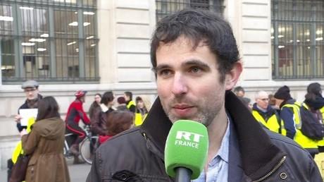 Alexandre Langlois devant le siège de la préfecture de police de Paris avant son passage au conseil de discipline le 20 février 2019 (image d'illustration).