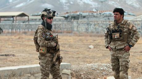 Des forces afghanes de sécurité dans la banlieue de Ghazni, le 29novembre 2020.