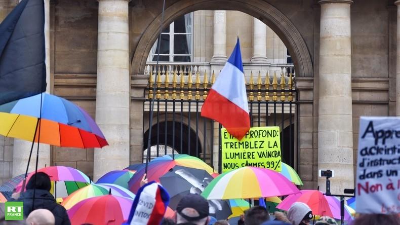 Opposants à la loi Sécurité globale et Gilets jaunes manifestent dans toute la France