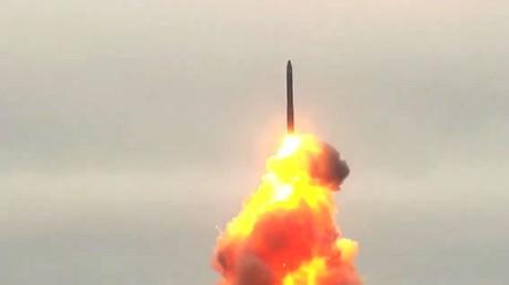 Lancement d'entraînement du missile balistique Topol-M depuis le cosmodrome de Plesetsk dans la région d'Arkhangelsk