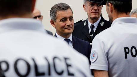 Gérald Darmanin lors d'une visite au commissariat des Mureaux, le 7 juillet 2020 (image d'illustration)