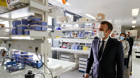 Emmanuel Macron visitant l'hôpital Necker le 4 décembre 2020 (image d'illustration).