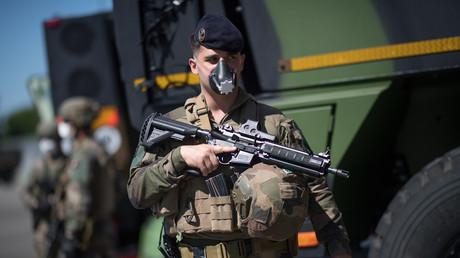 Un soldat du 3eRIMA à Vannes en mai 2020 (image d'illustration).