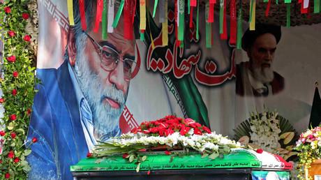 Photographie fournie par le ministère iranien de la Défense le 30 novembre 2020 montrant le cercueil de Mohsen Fakhrizadeh, lors de la cérémonie funéraire à Téhéran (image d'illustration).