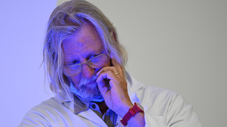 Didier Raoult, professeur de médecine et directeur de l'institut médical IHU maladies infectieuses, lors d'une conférence de presse sur la situation du Covid-19 à Marseille, le 27 août 2020 (image d'illustration).