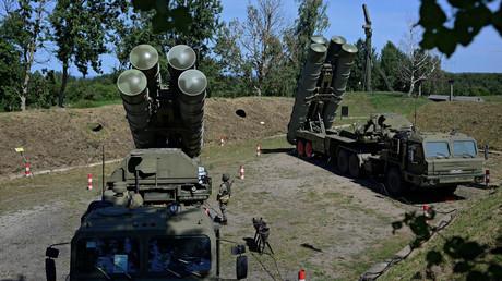 Systèmes de défense antimissile S-400 russes déployés ici lors d'un exercice à Kaliningrad (Russie) (image d'illustration).