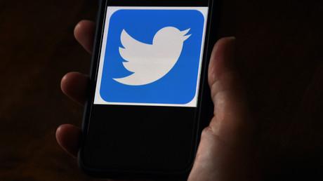 Sur cette illustration photo, un logo Twitter est affiché sur un téléphone mobile le 27 mai 2020 à Arlington, en Virginie (image d'illustraton).