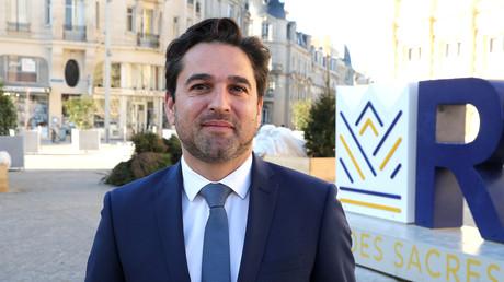 Le maire Les Républicains de Reims Arnaud Robinet pose devant la mairie de Reims, le 17 janvier 2020 (image d'illustration).