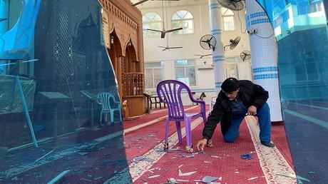 Une mosquée endommagée lors d'une frappe aérienne israélienne à Gaza, le 26décembre 2020.