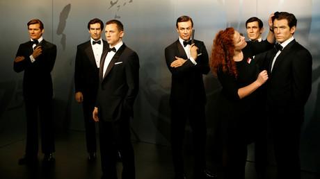Des statues de cire des acteurs ayant incarné James Bond au cinéma, le 4 octobre 2016, à Berlin (mage d'illustration).
