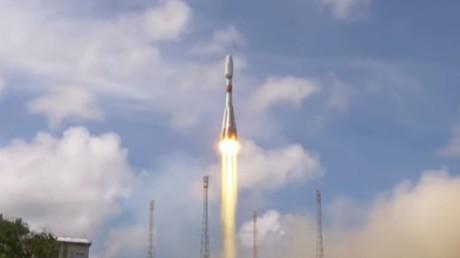 Lancement d'un satellite français d'observation militaire, avec une fusée Soyouz, depuis Kourou, le 29 décembre 2020.