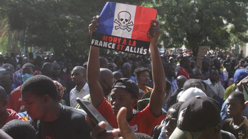 Mali : les forces de sécurité dispersent des opposants à la présence française