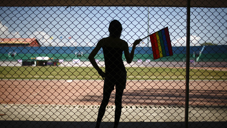 Biden autorise les athlètes transgenres nés