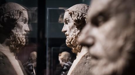 Des bustes en marbre du poète grec Homère et du philosophe Chrysippe de Soles, exposés au British Museum de Londres en mars 2015 (image d'illustration).