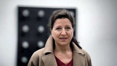 Agnès Buzyn fait campagne pour les municipales à Paris en mars 2020.