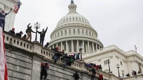 Des manifestants pro-Trump au Capitole de Etats-Unis le 6 janvier 2021.