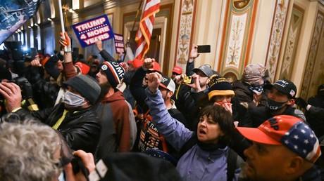 Partisans de Donald Trump au sein du Capitole, le 6 janvier 2021.