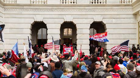 Des manifestants pro-Trump pénètrent dans le Capitole le 6 janvier 2021 (image d'illustration).