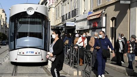 Passants à Marseille le 9 novembre dernier (image d'illustration).