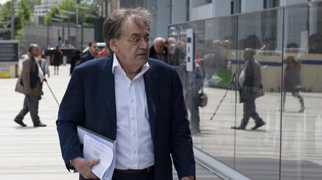 Alain Finkielkraut devant le tribunal de Paris, le 22 mai 2019 (image d'illustration)