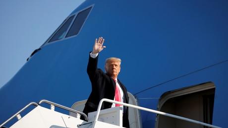 Trump s'apprêtant à décoller pour le Texas depuis le Maryland le 12 janvier.