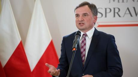 Le ministre polonais de la Justice, Zbigniew Ziobro, tient une conférence de presse le 21septembre 2020 (image d'illustration).