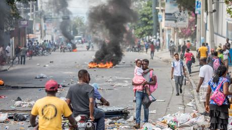 Des opposants au président haïtien Jovenel Moise ont manifesté le 15 janvier 2021 à Port-au-Prince pour exiger son départ du pouvoir le 7 février.