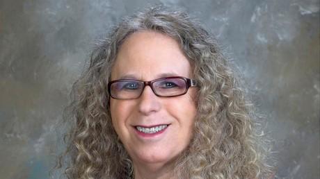 Rachel Levine est sur le point d'être la première responsable fédérale ouvertement transgenre.