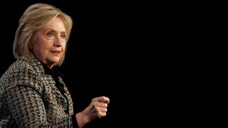 L'ex-secrétaire d'Etat américaine Hillary Clinton s'exprime lors d'une conférence de presse à Pasadena (Californie), le 17 janvier 2020 (image d'illustration).
