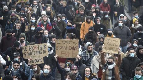 Des ravers manifestent contre les restrictions liées au Covid-19, près de la ville de Rennes (Ille-et-Vilaine) , le 16 janvier 2021. (image d'illustration)