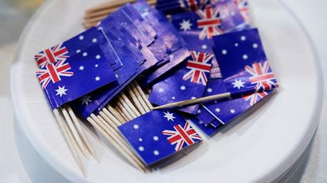 Des mini-drapeaux australiens dans une assiette lors de la foire commerciale China International Import Expo à Shanghai, le 6 novembre 2020 (image d'illustration).