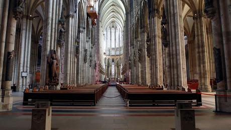 Le hall vide de la cathédrale de Cologne en Allemagne (image d'illustration).