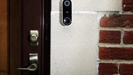 Une sonnette avec une caméra intégrée (image d'illustration).