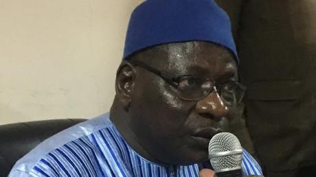 Théophile Bebzoune, âgé de 55 ans et néophyte en politique, a été investi par une dizaine de chefs de partis d'opposition pour se porter candidat face au Président sortant Idriss Déby Itno, au pouvoir depuis 30 ans.