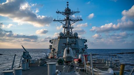 Le destroyer américain USS Barry en mer de Chine méridionale, le 4 avril 2020 (image d'illustration)